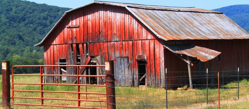 Faded Barn in Arkansas - GoodwillCarDonation.org