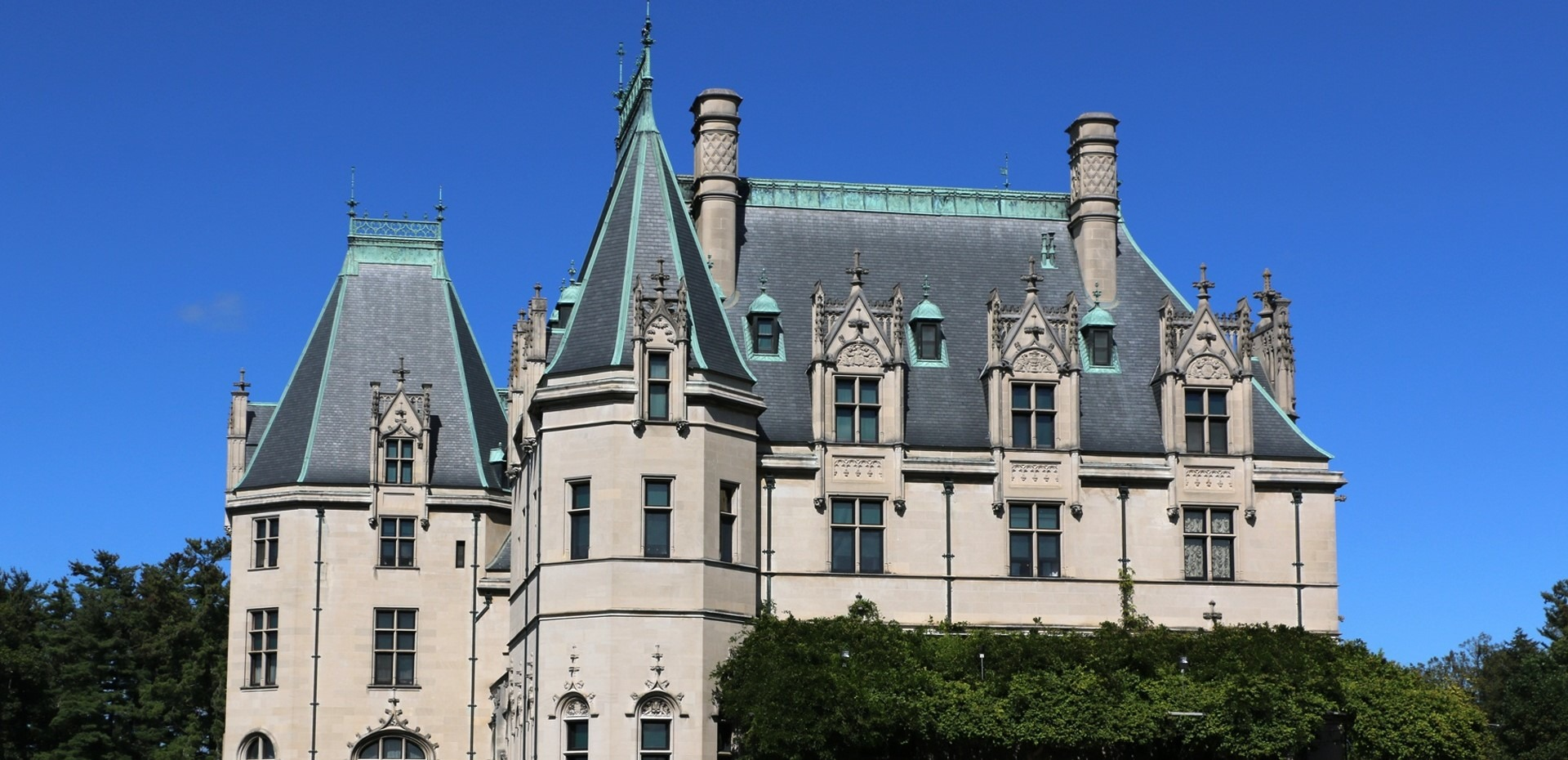 The Biltmore House in Asheville, North Carolina - GoodwillCarDonation.org