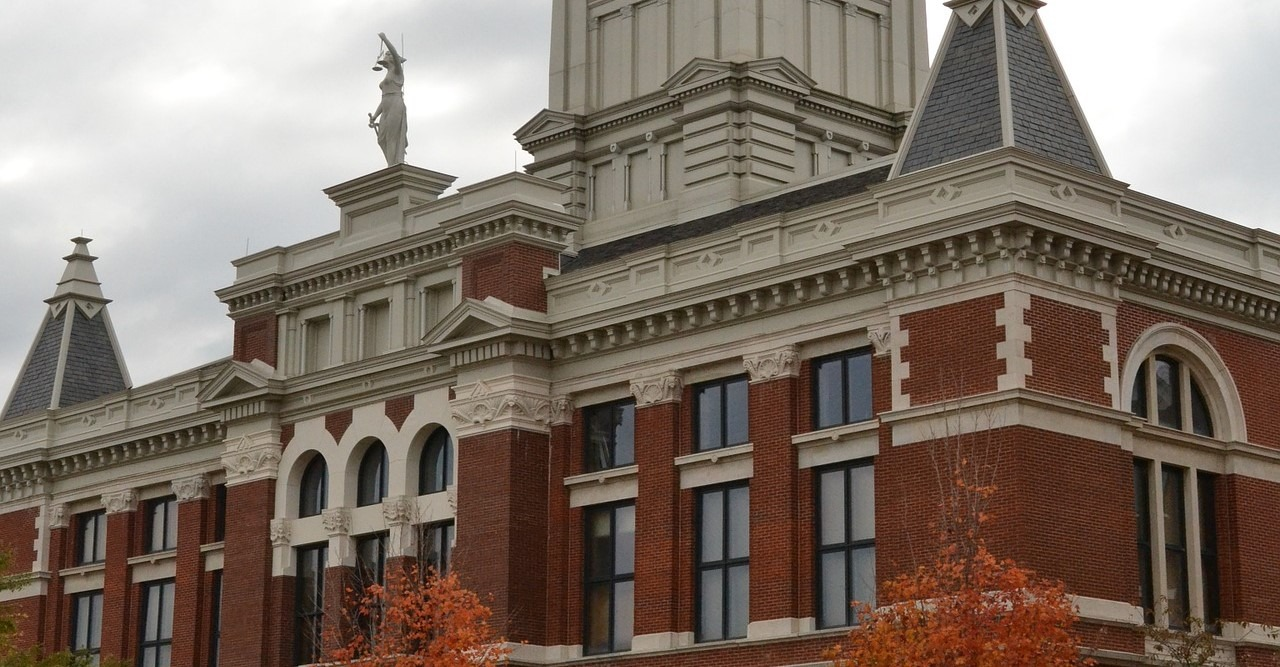 Courthouse in Clarksville, Tennessee - GoodwillCarDonation.org