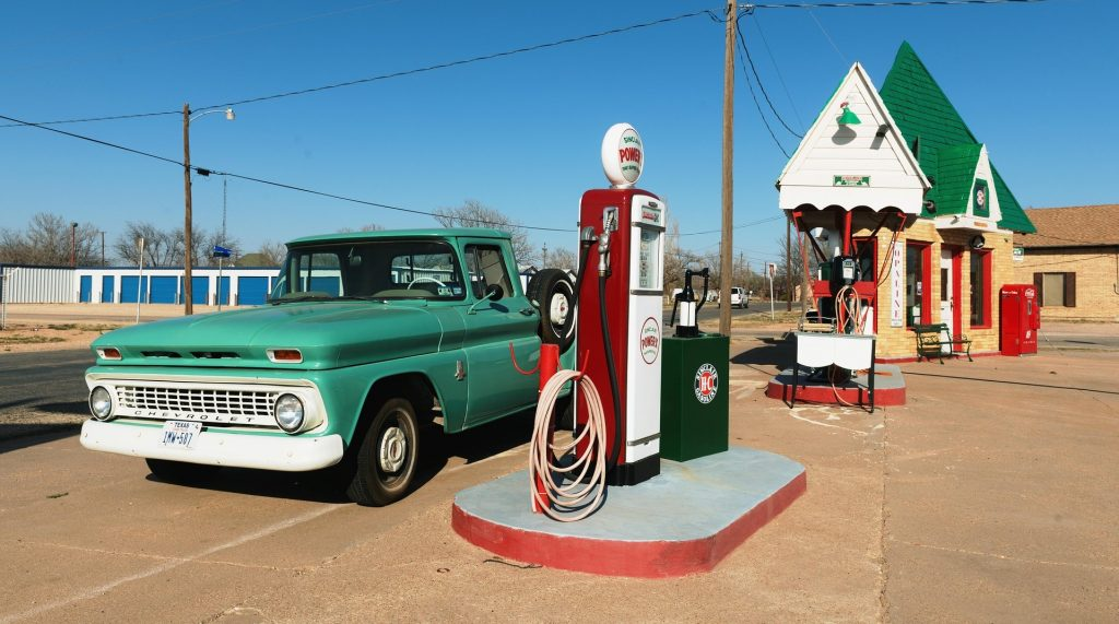 Gas Station in Grand Prairie, Texas | Goodwill Car Donations