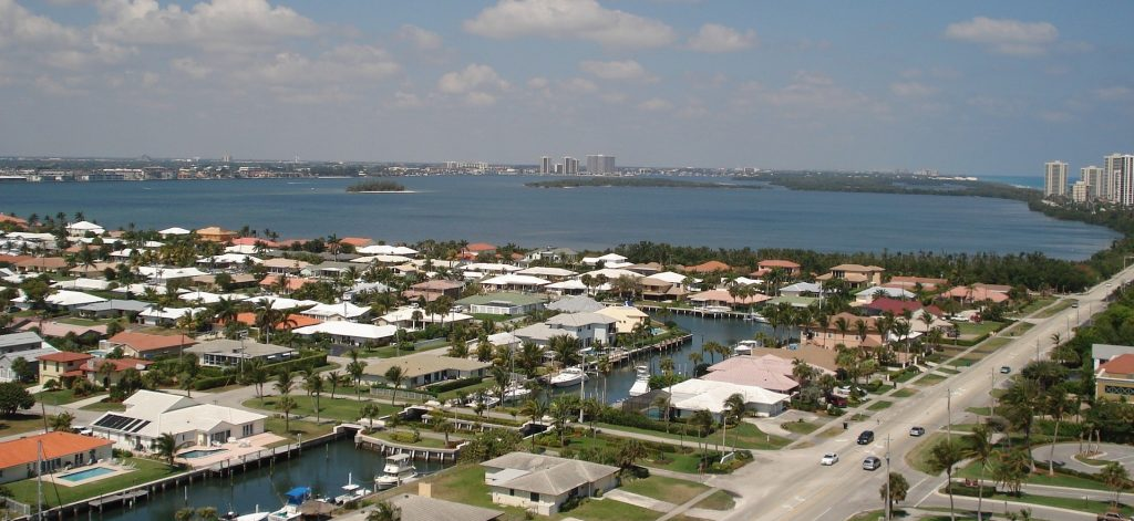 View of the Suburb in Riviera Beach, Florida | Goodwill Car Donations
