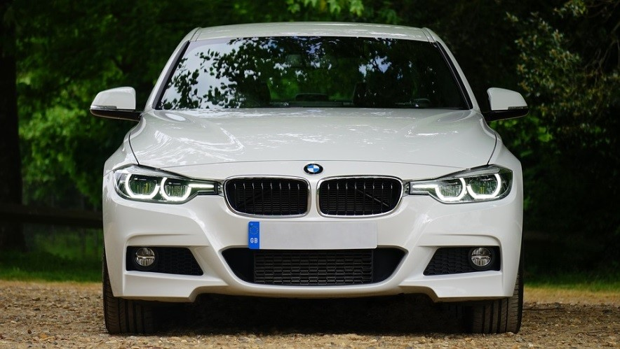 White BMW outdoors | Goodwill Car Donations