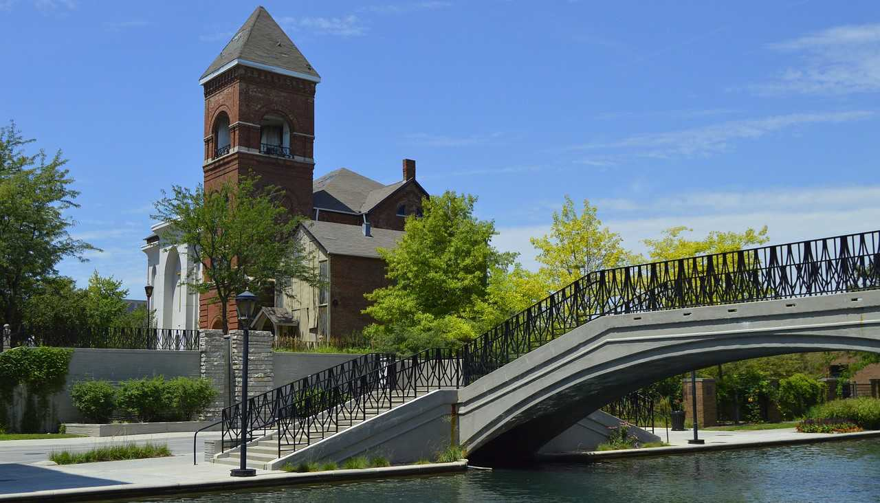 The Central Canal in Indianapolis, Indiana | Goodwill Car Donations