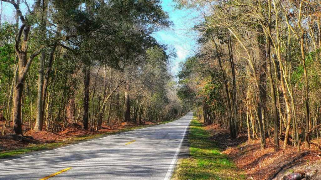 Outdoor Road in Hanahan, South Carolina | Goodwill Car Donations